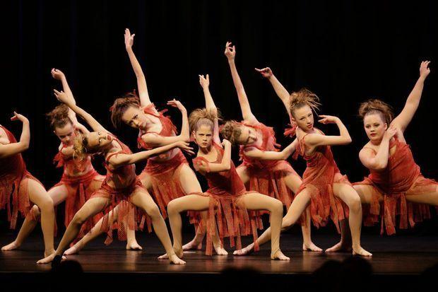 [世界舞蹈日] 迷人的传统民间舞蹈