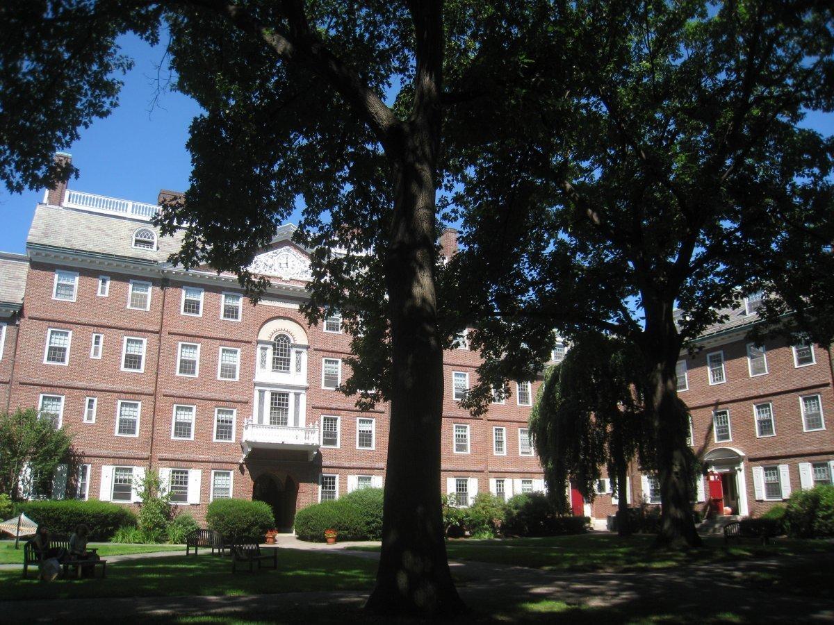 33张facebook是如何从哈佛大学宿舍到统领全球的照片图片